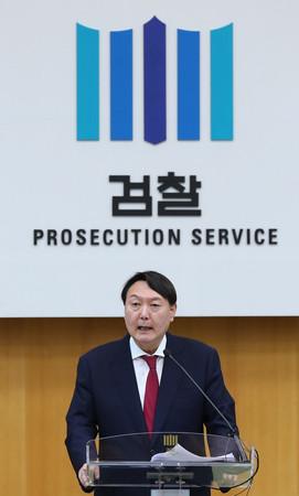 韓国の尹錫悦前検事総長=2019年7月、ソウル(EPA時事)
