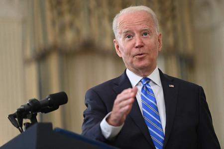 経済情勢について演説するバイデン米大統領=19日、ホワイトハウス(AFP時事)