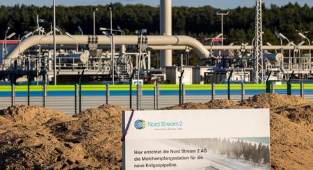ロシア産天然ガスをドイツに輸送するパイプライン「ノルドストリーム2」=2020年9月、独北東部ルプミン(AFP時事)