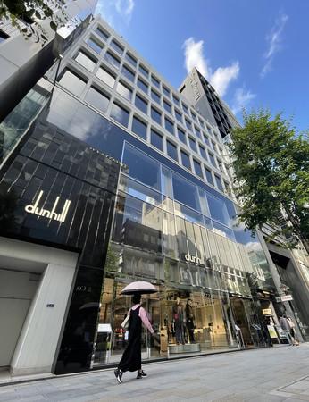 国土交通省が基準地価を発表し、全国の商業地で16年連続最高額となった「明治屋銀座ビル」=16日、東京・銀座